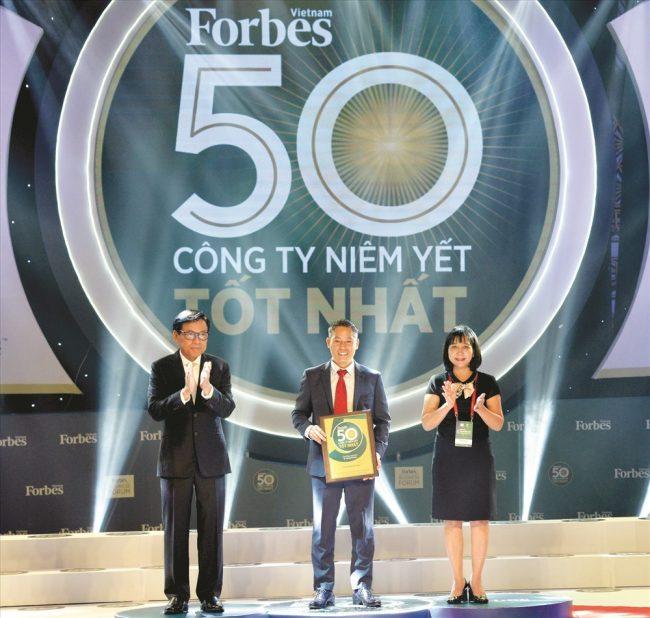Đất Xanh vinh danh Top 50 công ty niêm yết tốt nhất Việt Nam