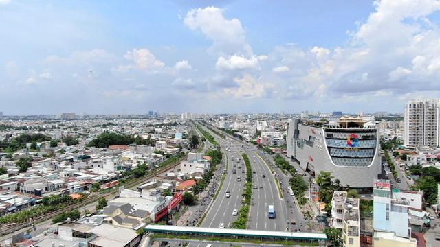 Chung cư trăm hoa đua nở dọc đại lộ đẹp nhất Sài Gòn - Ảnh 11.