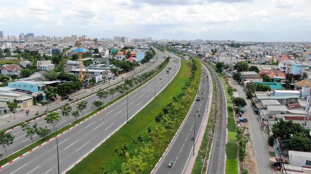 Chung cư trăm hoa đua nở dọc đại lộ đẹp nhất Sài Gòn - Ảnh 21.
