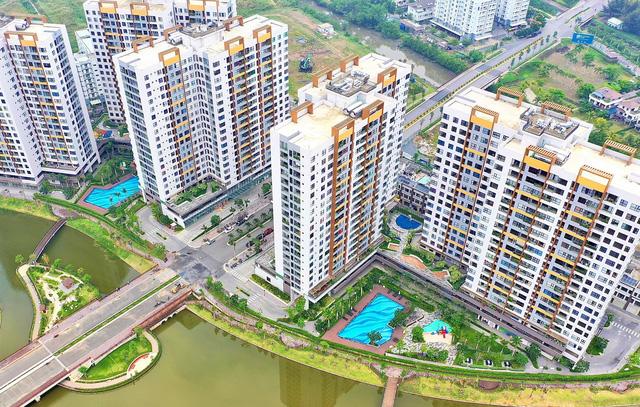 """""""Choáng"""" với giá căn hộ ở vùng ven Tp.HCM, liệu còn tăng tiếp?"""